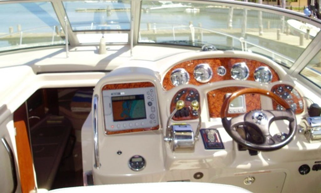 35 ft Sundancer Searay Yacht