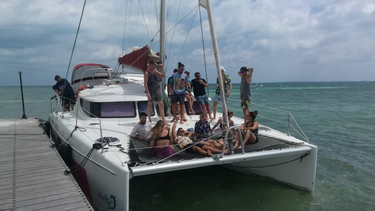 37 Ft Fountain Catamaran