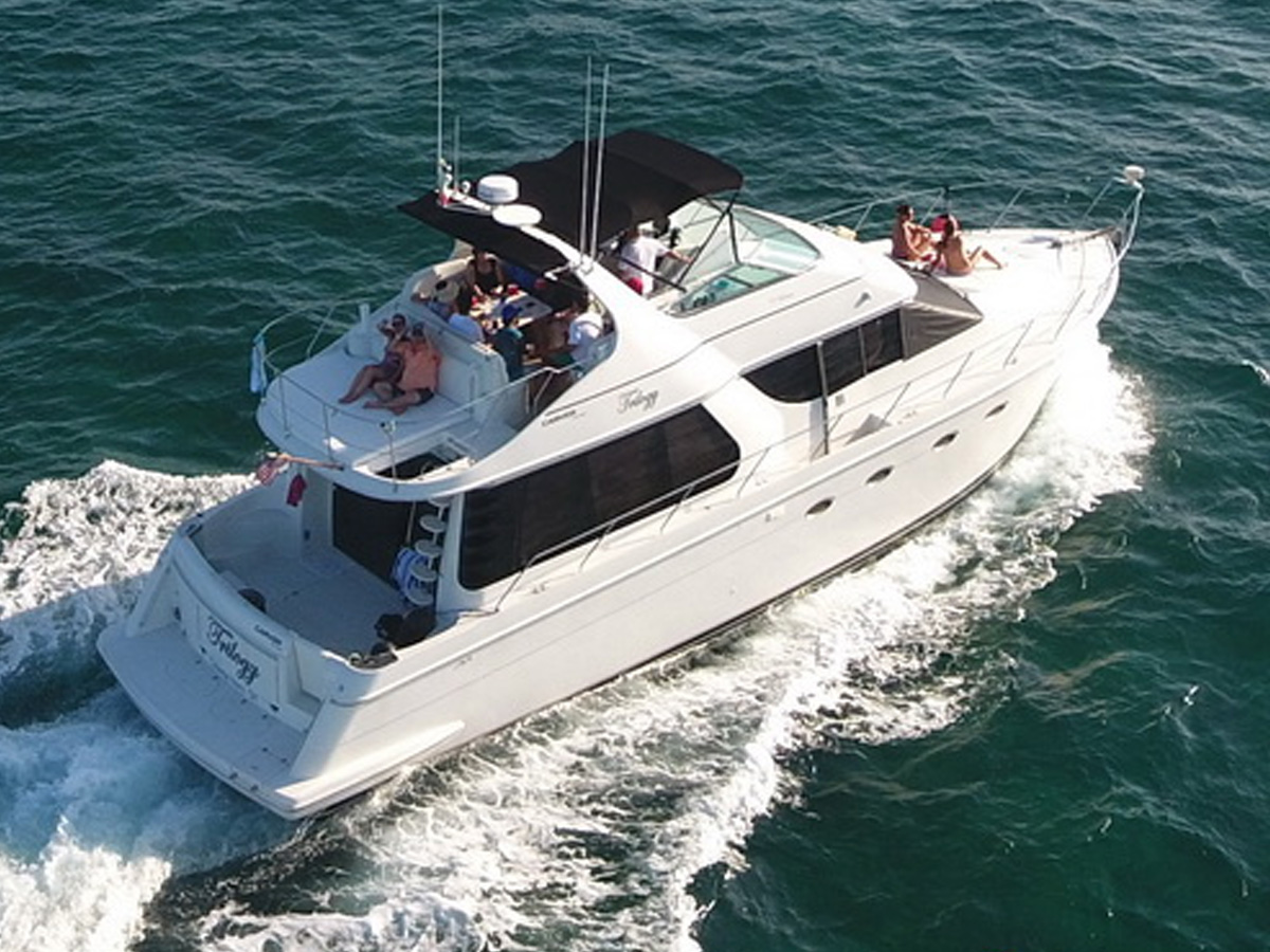 55 ft Carver Yacht