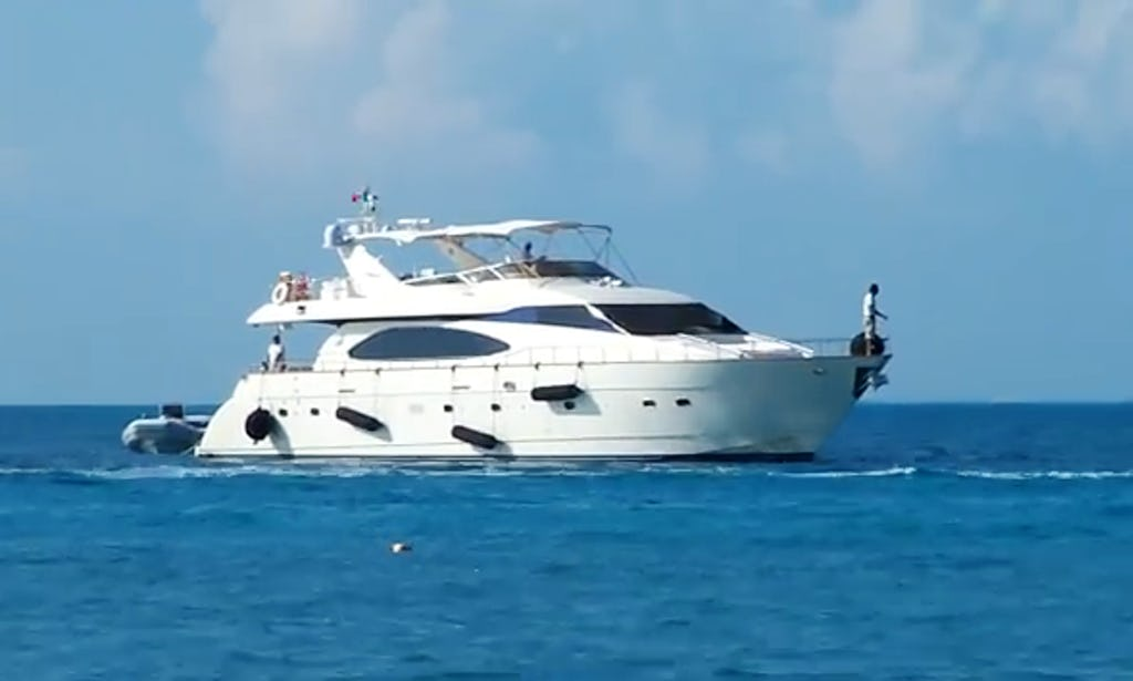 85 ft Luxury VIP Azimut Yacht